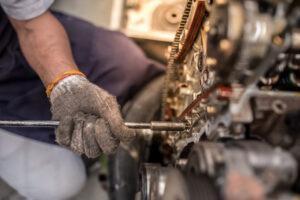 Czy warto wymieniać silnik na starego kota w worku?