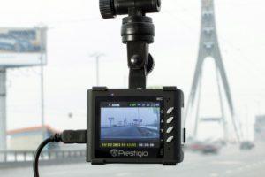 Wideorejestratory a publikacja filmików w sieci