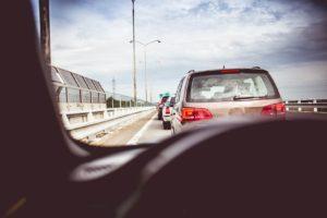 Jaką odległość należy zachować od poprzedzającego pojazdu?
