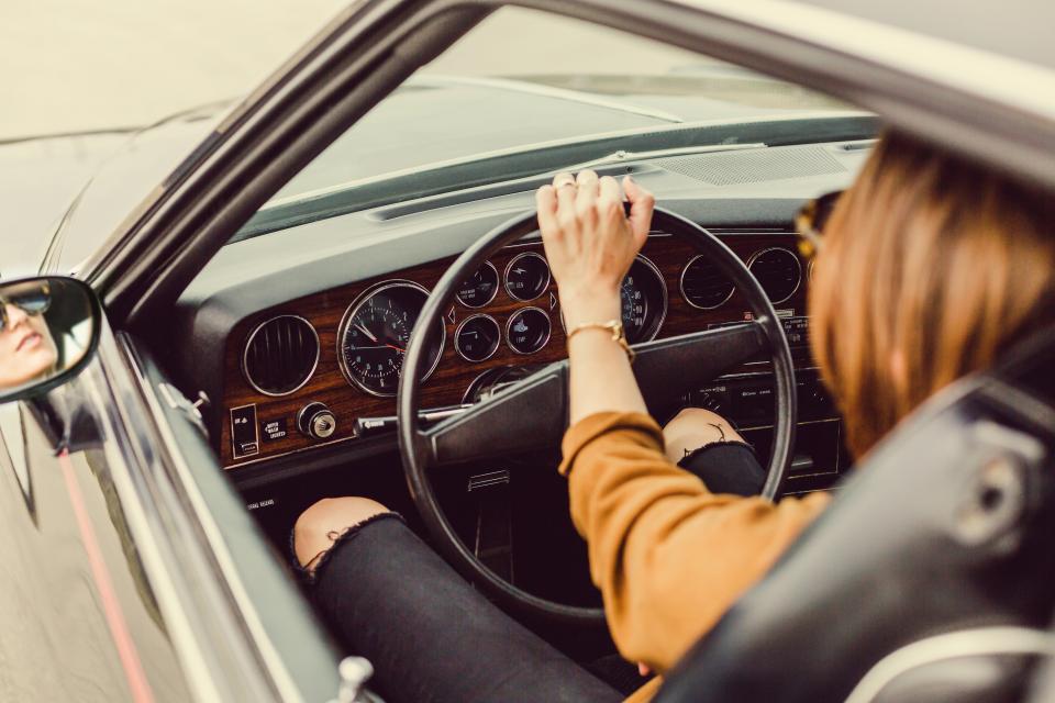 Kobiety kontra mężczyźni - kto jest lepszym kierowcą?