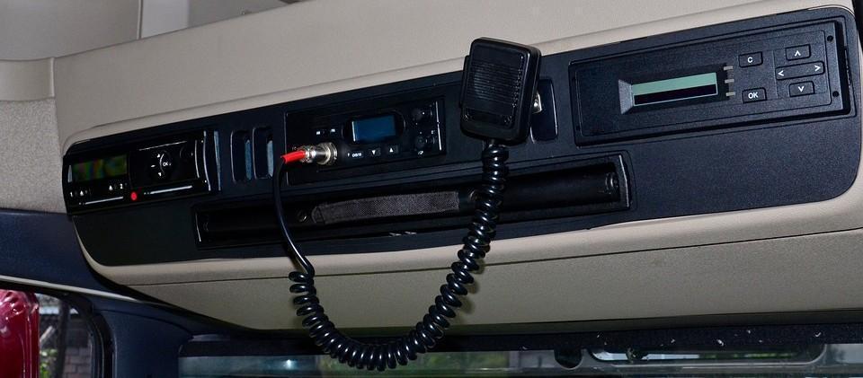 CB radio a Yanosik