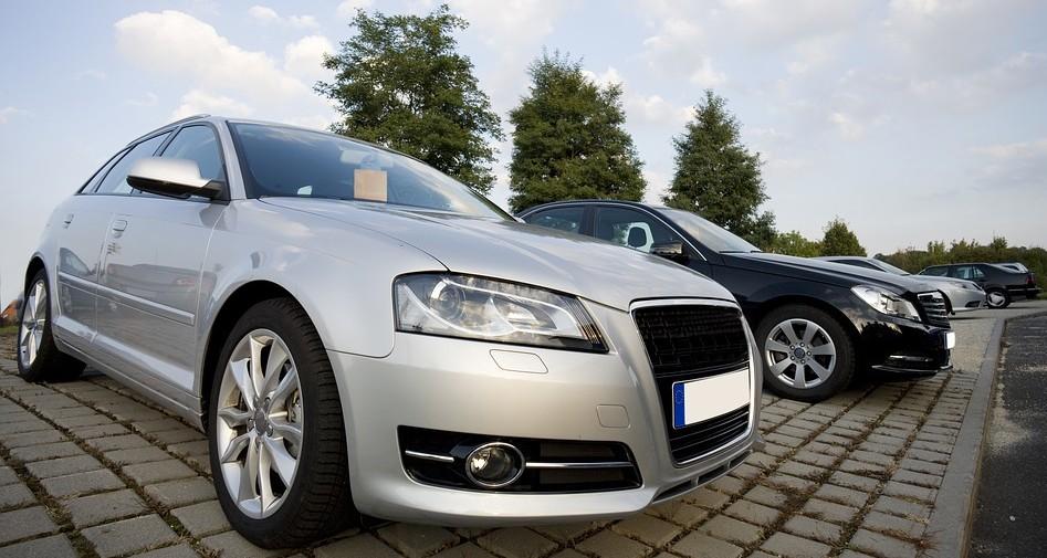 sprzedawcy samochodów