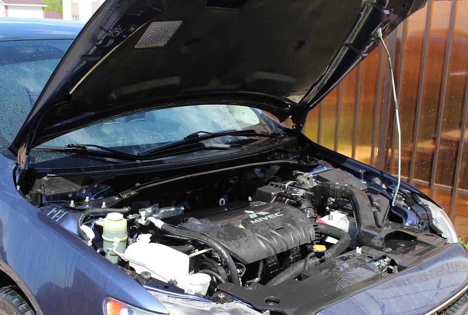 silnik w samochodzie mycie