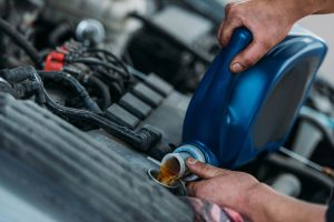 Czym jest lepkość olejów silnikowych?