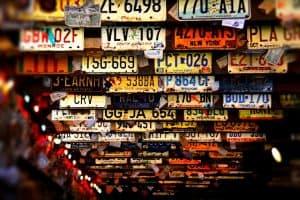 Zgubiona tablica rejestracyjna – co zrobić w takiej sytuacji?