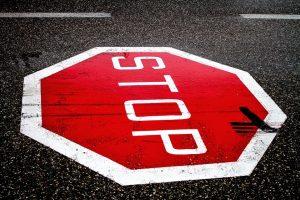 Droga hamowania samochodu – cenne informacje