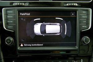 Asystent parkowania – jak działa?