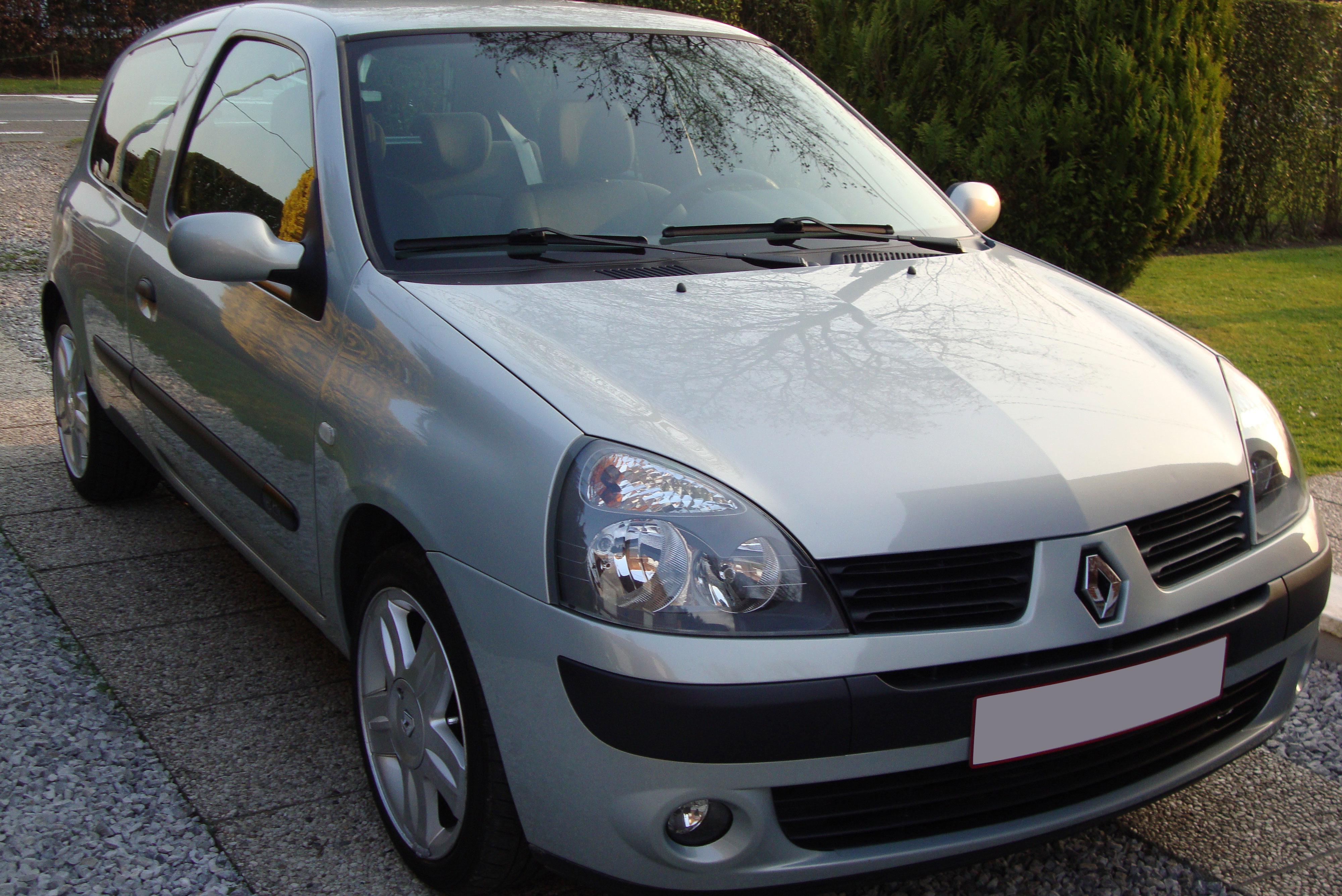 auto-do-5-tys-renault-clio-II