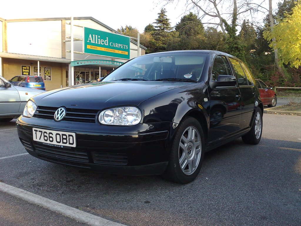auto-do-5-tys-volkswagen-golf-IV